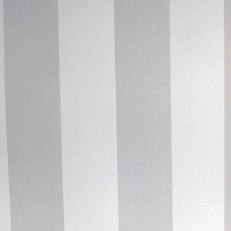 Carta da parati moderna a righe bianche e grigio leggermente perlato